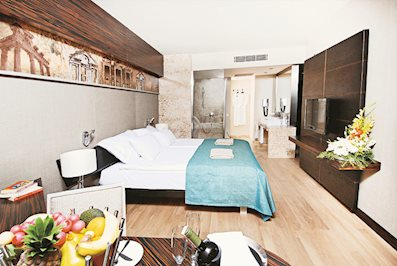 Foto Commodore Elite Suites en Spa ***** Side