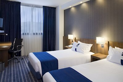 Foto Holiday Inn Express Bilbao Airport **** Derio