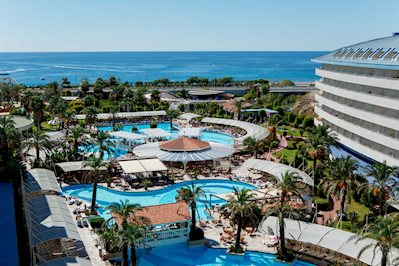 Crystal Admiral Resort Suites en Spa