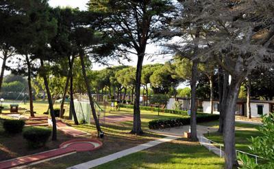 Foto Villaggio Turistico la Serra **** Baia Domizia