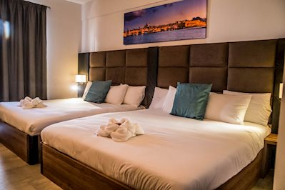 Foto Pebbles Resort **** St. Pauls Bay