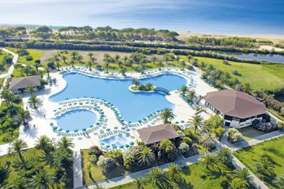 Club Marina Beach