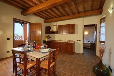 Foto Antico Borgo Il Cardino *** Castel San Gimignano
