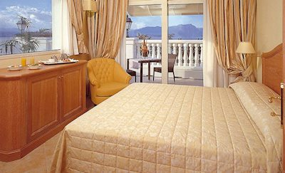 Foto Palace **** Desenzano del Garda
