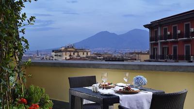 Foto Una Napoli **** Napels