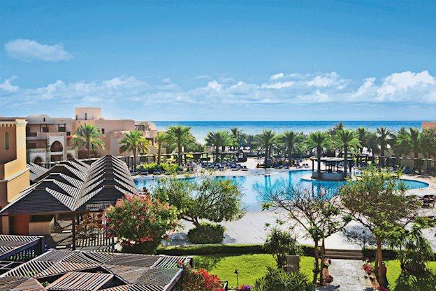 Meer info over Iberotel Miramar Al Aqah Beach Resort  bij Prijsvrij