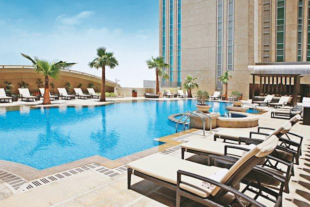 Meer info over Sofitel Abu Dhabi Corniche  bij Prijsvrij