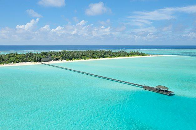 Meer info over Holiday Island Resort  bij Prijsvrij
