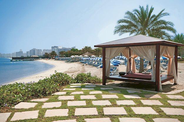 8 daagse vliegvakantie naar Radisson Blu Abu Dhabi Corniche in abu dhabi, verenigde arabische emiraten