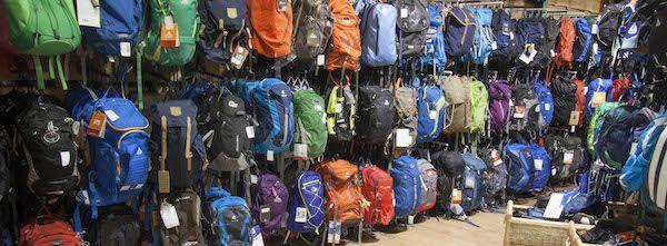 f0437b5ae82 Wat neemt u mee en hoeveel liter inhoud heeft uw tas nodig? Waar dient u op  te letten qua pasvorm? Rugzak